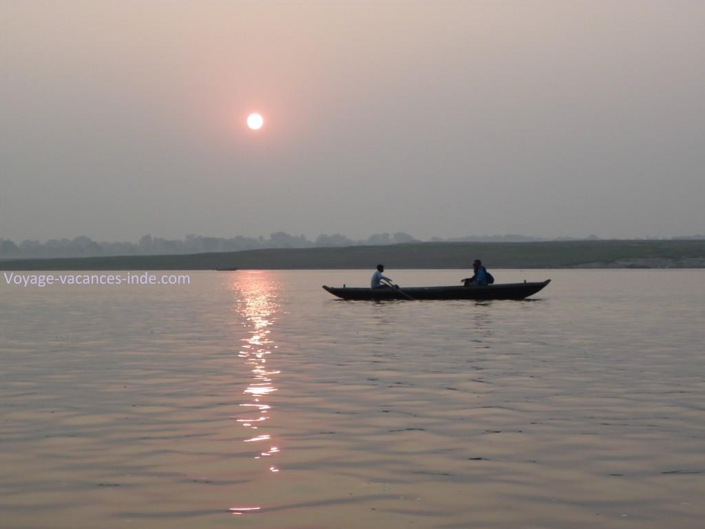 Lever du soleil sur le Gange