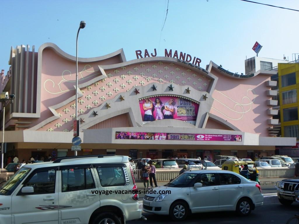 Un cinéma très célèbre : le Raj Mandir à Jaipur.